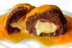 Pan de carne c/ jamon y queso y salsa zanahoria